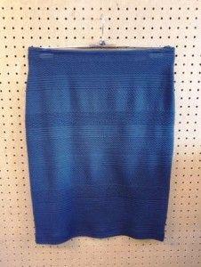 Donkerblauwe gewerkte rok